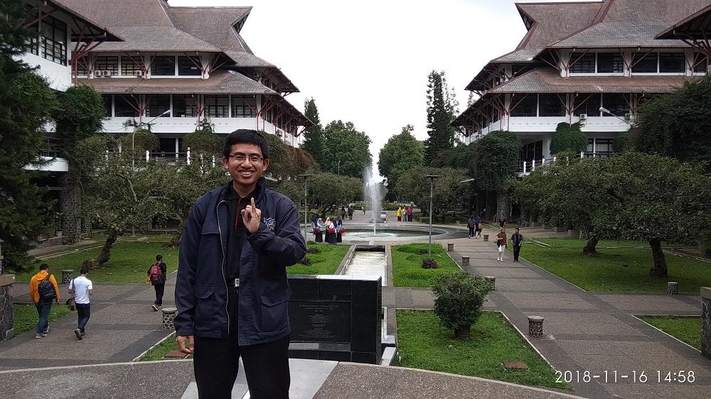 jalan-jalan di kota Bandung